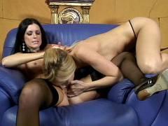 Vulva Licking Lesbian MILFS