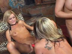 Blonde MILF Eat Out Slits