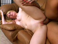 MILF Ashley Spreading Her Vulva