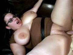 Chunky MILF Opens Wide For Prick